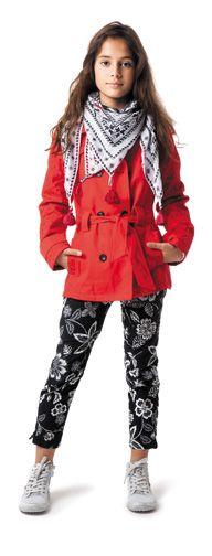 CATIMINI - Le look incontournable pour les fashionistas ! Trench brodé + cheich sur 7/8e imprimé : superbe thème URBAN GLOBAL MIX ♥ A adopter autant pour le printemps que pour l'automne...
