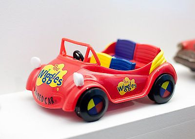 Inspiration for Pinata & or model box car for kids to play in