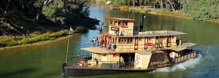 Echuca Moama: Part of your Sydney to Melbourne Touring road trip, highlighting places to stay, maps, attractions and itineraries