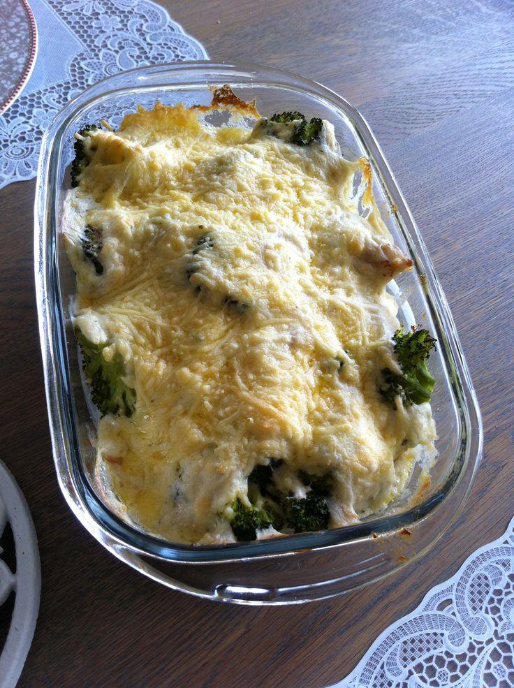 Broccoli/kip/ragout ovenschotel, yumm! Lekker met rijst •madebyrenate