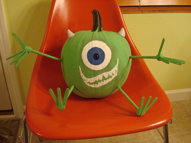 This Disney-themed Mike Wazowski pumpkin was perfect for a girl who doesn't like princesses. She likes Monsters Inc.