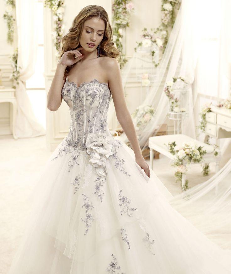Stilisti abiti da sposa colorati