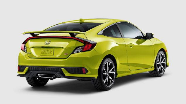 The 2019 Honda Civic Si Gets A 200 Price Bump And Comes In The Ever Charming Snot Green Honda Civic Si Honda Civic Car Paint Colors