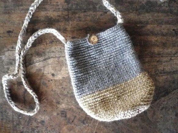 毛糸のショルダーバッグです。-----------------------------------------------■サイズ■高さ:約16cm■よこ:約...|ハンドメイド、手作り、手仕事品の通販・販売・購入ならCreema。