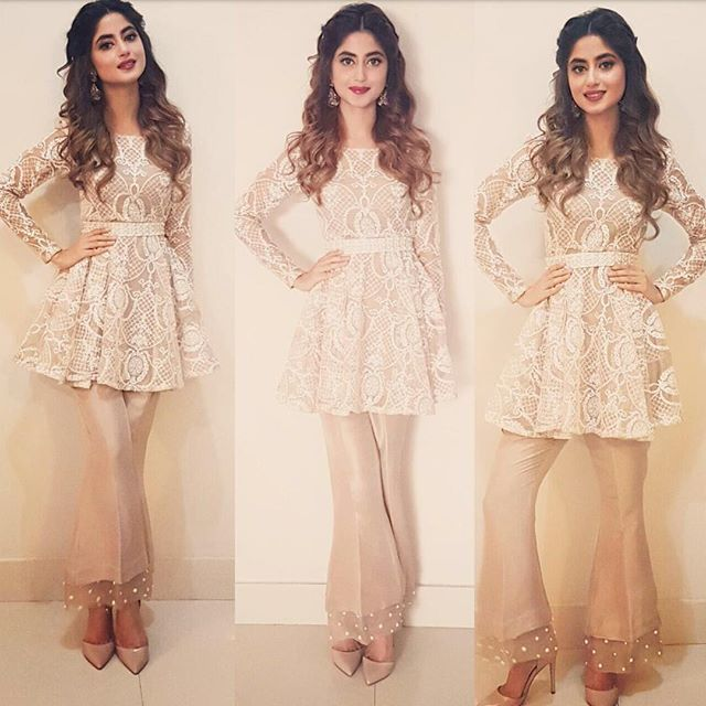 #SajalAly in a customised peplum top and boot cut pants from #CrossStitch at an #Eid show to promote her film #zindagikitnihaseenhai ✨ styled by #siddysays @crossstitch_official @sajalaly @siddysays