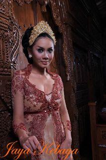 Fashion kebaya modern dress in Bali 2016 - Marron