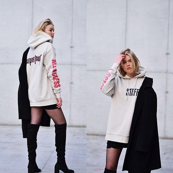 Get this look: http://lb.nu/look/8546933 More looks by Paulina Dworakowska: http://lb.nu/dvrkvska Items in this look: Purpose Tour Hoodie, Zara Boots #casual #minimal #street #ootd #justinbiebier #merchandise #jbmerchandise #jbmerch #justinbiebermerch