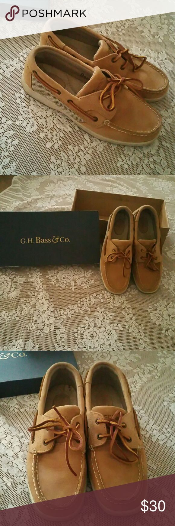 """Bass leather Boat shoes Excellent condition.  Plenty of life left. Bass tan leather Boat shoes. Sz 7.5 style is """"sailer"""". Can ship with box but it's not the original box Bass Shoes Flats & Loafers"""