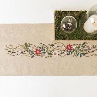 Stickpackung Tischband Kranz mit Blüten, gezählter Kreuzstich