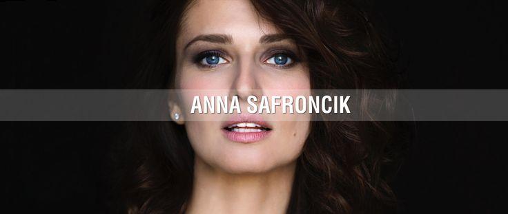 really cool dynamic website - Anna Safroncik