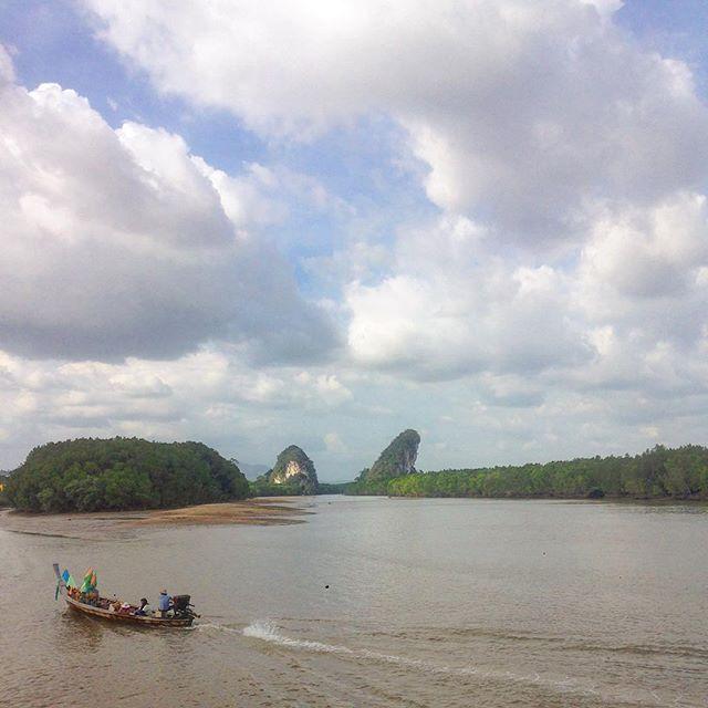 Amazing weather today ☀️#wanderlust #instatravel #krabi #thailand #boat #claudscape #travelgram #landscape #zuckermuschi by wanjusch. instatravel #krabi #claudscape #landscape #wanderlust #thailand #boat #travelgram #zuckermuschi