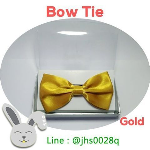 Dasi Kupu Kupu atau Bow Tie Warna Emas GOLD! Dengan tampilan yang eksklusif membuat penampilan disetiap acara makin percaya diri. Cocok dipakai saat pesta wedding dan acara lainnya...  https://www.instagram.com/p/BFUBDOPq3MO/?taken-by=gelvybunnyshop