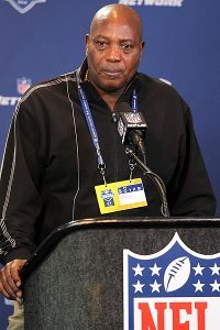 Ozzie Newsome Cleveland Browns | From Wizard Ozzie Newsome Raven And Cleveland Brown Player.