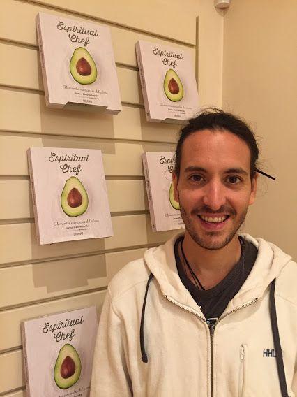 Hoy nos ha visitado Javier Medvedovsky, cuyo libro 'Espiritual Chef'  estará disponible en librerías españolas el 9 de noviembre