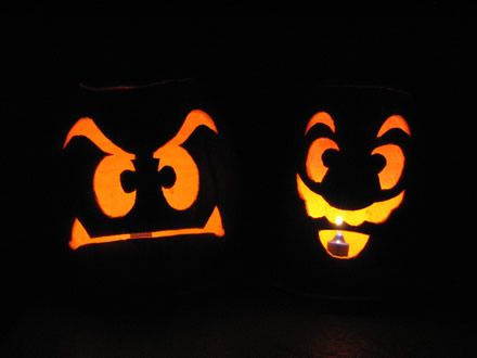 Google Image Result for http://www.dreamstation.cc/wp-content/uploads/2008/10/mario_goomba_pumpkins_001.jpg