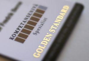 Restylane er bransjens Gold Standard. Se alltid etter gyldig id-kort. Da vet du at behandleren har medisinsk kompetanse og har lært de siste teknikkene. Ikke bli lurt av useriøse aktører.