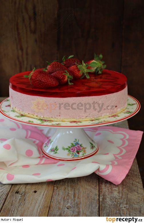 Jahodový smetanový dort