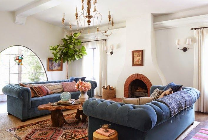 This 1920's Spanish bungalow in Los Angeles is designed by the talented Emily Henderson for writer/ director Shana Feste. Let's take a tour of this lovely home, shall we? via