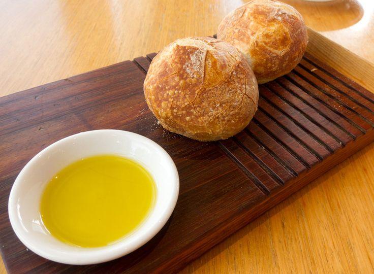 El oleocantal del aceite de oliva virgen extra destruye las células cancerígenas