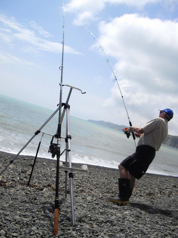 Tackle Tactics Surfcasting Message Board: Tripod Rod Rest.