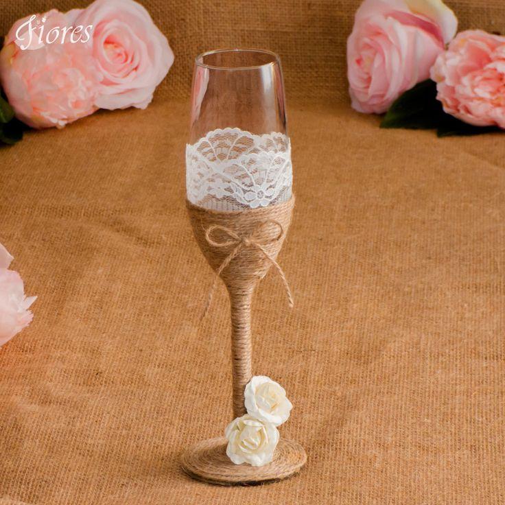 Siahnite po originalite, a očarte s jedinečnými vintage pohármi.  Svadobné poháre vo vintage štýle zdobené jemnou krajkou a