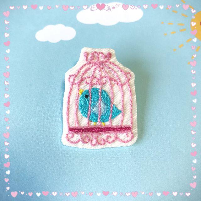 刺繍ブローチ*幸せの青い鳥