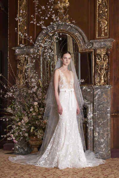 597df1e82e Moniquelhuillier spring 2019 bridal look 9 etoile