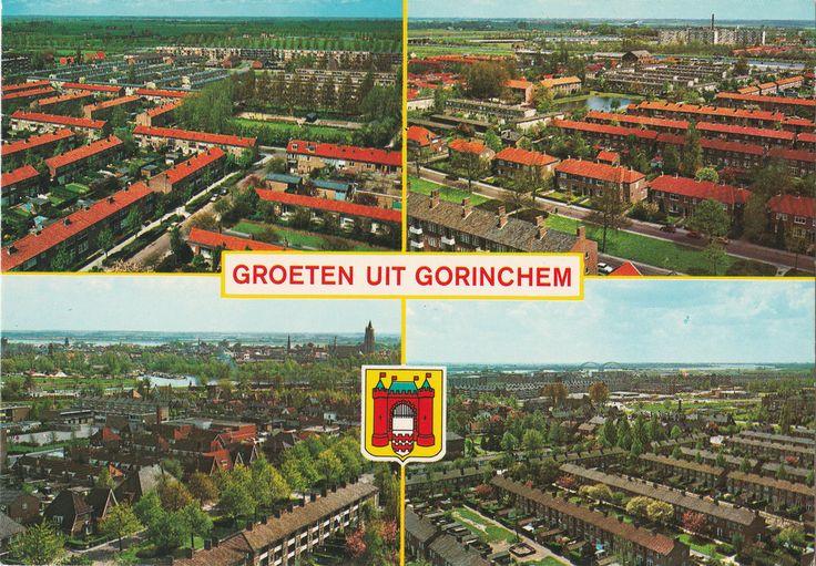 Ansichtkaart met een panorama vanaf de Torenflat in Gorinchem in vier richtingen. Jaartal onbekend