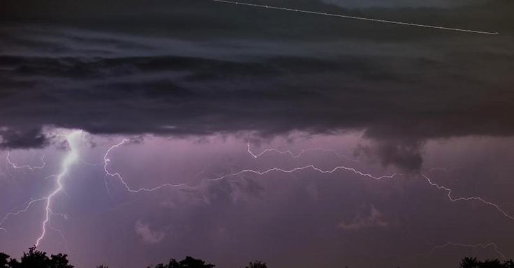 "Focus.de - Wetter aktuell: ""Rock am Ring"": Blitzeinschlag und Unwetterchaos -33 Verletzte - Wetter-Ticker"