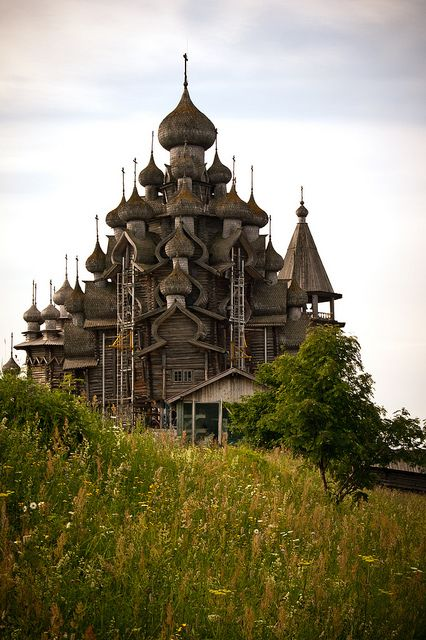 The wooden cathedral on Kizhi Island, Russia (by iamfisheye).Built without a single nail 300 years ago.