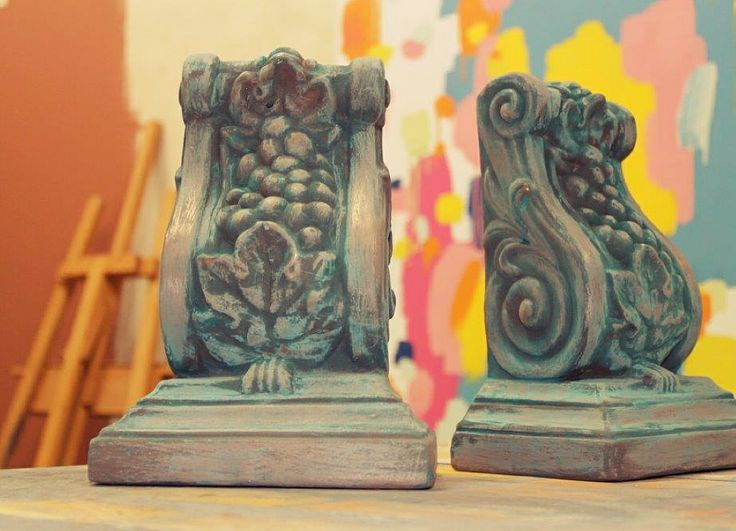 The beauty of ancient bronze is now available for broad wall areas, door frames, architectural moldings and other objects with Porter's Liquid Bronze. Here we upcycled ceramic bookends found at a garage sale.