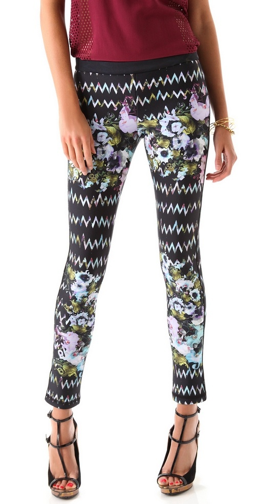 Cynthia Rowley Floral Leggings: Floral Legs, Floral Bond, Cynthia Rowley, Bond Legs, Rowley Floral, Rowley Zigzag, Fashion Inspiration, Fashion Trends, Floral Pants
