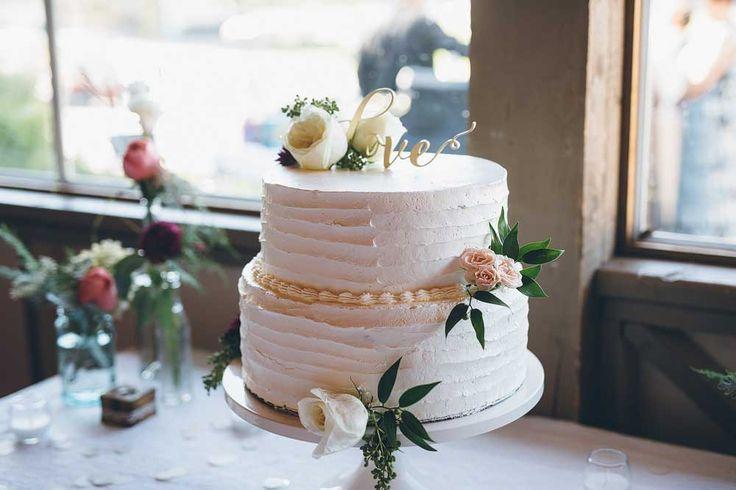 Simple, but elegant wedding cake. Elk Ridge Resort Wedding  https://mjand.co/elk-ridge-resort-wedding-photo/#!prettyPhoto[1]/https://mjand.co/me/uploads/2015/11/MJCO_WEDD_AndyAllison_0089.jpg