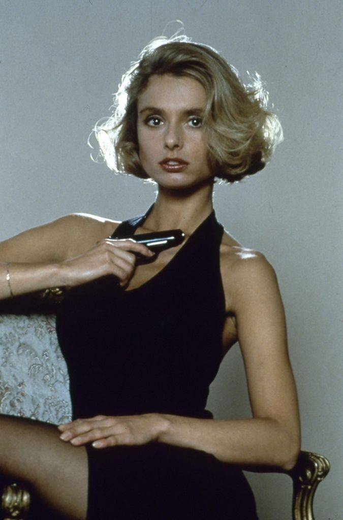 Kara milovy the living daylights maryam d 39 abo bond girl 007 pinterest james bond - Deguisement james bond girl ...