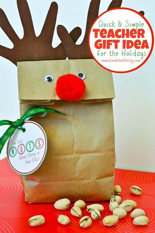 A FREE printable for a fun and simple teacher gift! #DIY #Christmas #teacher #gifts #gift #bag #wrapping #idea #kids #craft #crafts #activity #Grandma  #Grandpa #grandparents
