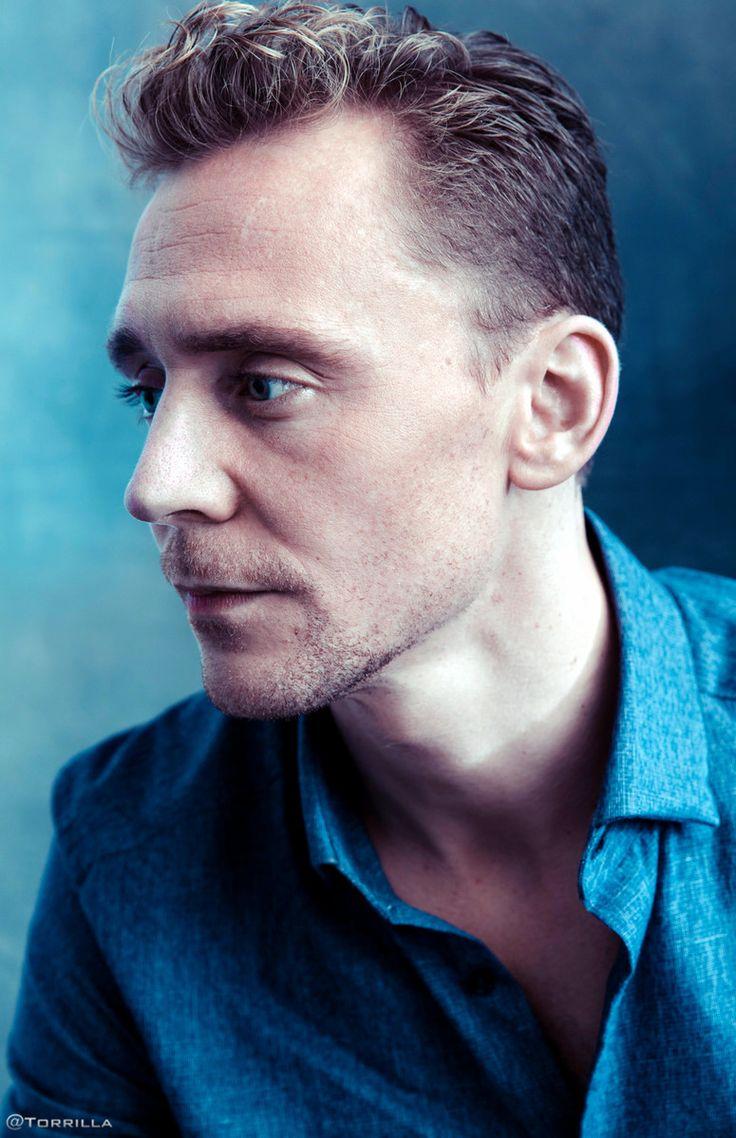 Tom Hiddleston photographed by Austin Hargrave during TIFF 2015 on September 13, 2015. Source: Torrilla. Click here for full resolution: http://ww4.sinaimg.cn/large/6e14d388gw1f8iphhzo5zj20lj0xb0zi.jpg