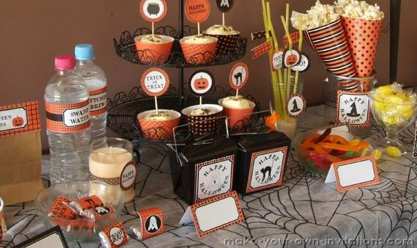 Printable Halloween Decorations for your DIY Home Decor in 2011 on a budget. Print them at hom and save money.