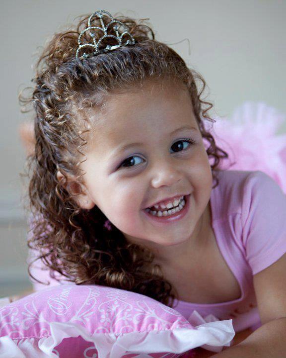 curly hair omg baby girl !