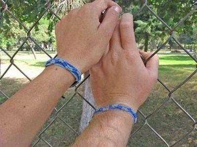 Types of Knots for Bracelets thumbnail
