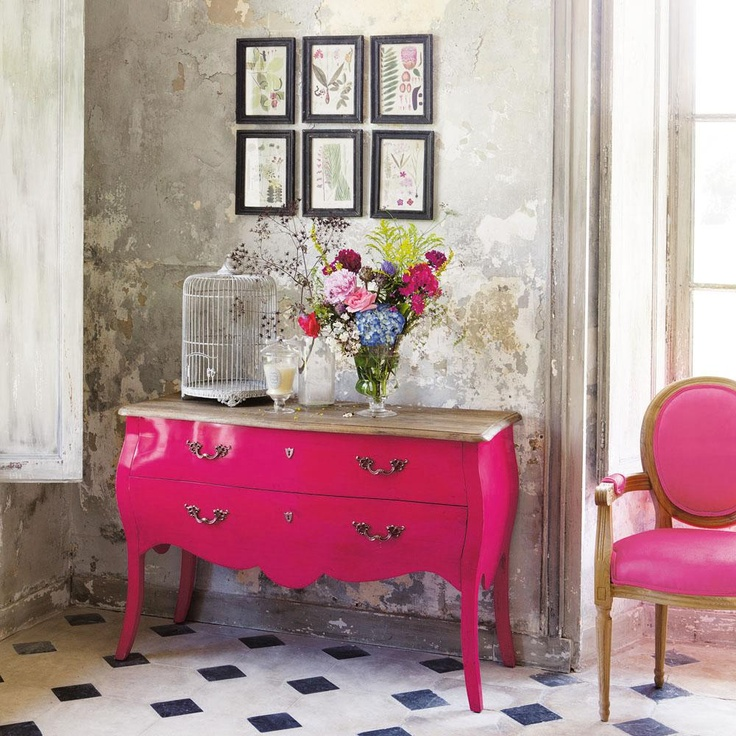 Hot pink works nicely with grey tones