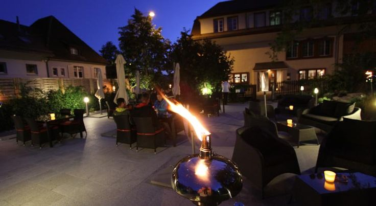 Hotel Bären Oberbipp The Hotel Bären in Oberbipp is conveniently situated only 1 km from the A1 motorway and 250 metres from the train station and features a fine restaurant with a charming garden terrace.