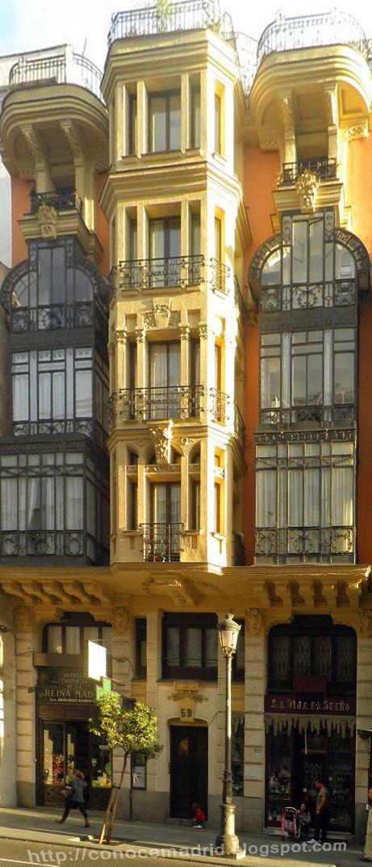 Edificio de la calle Mayor. Madrid.