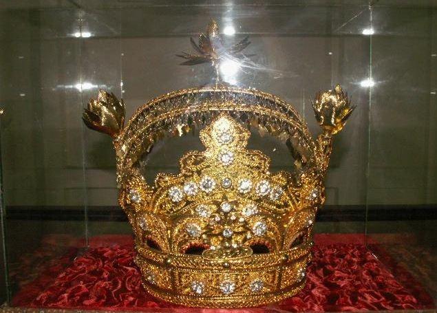 Koleksi istana dari replika mahkota sultan siak sri indrapura - siak, riau #PINdonesia