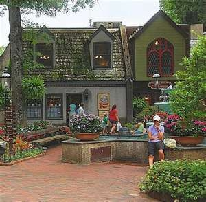 The Donut Friar located in The Village  Gatlinburg, Tennessee. This place always smells so good in the morning..... I love it here