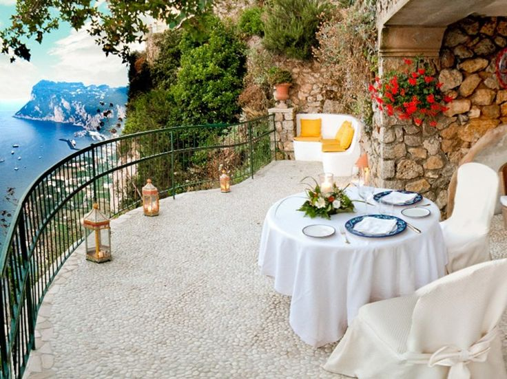 Hotel Caesar Augustus is set high in the cliffs above the Bay of Naples on the Isle of Capri, Italy. #unique #hotels #travel
