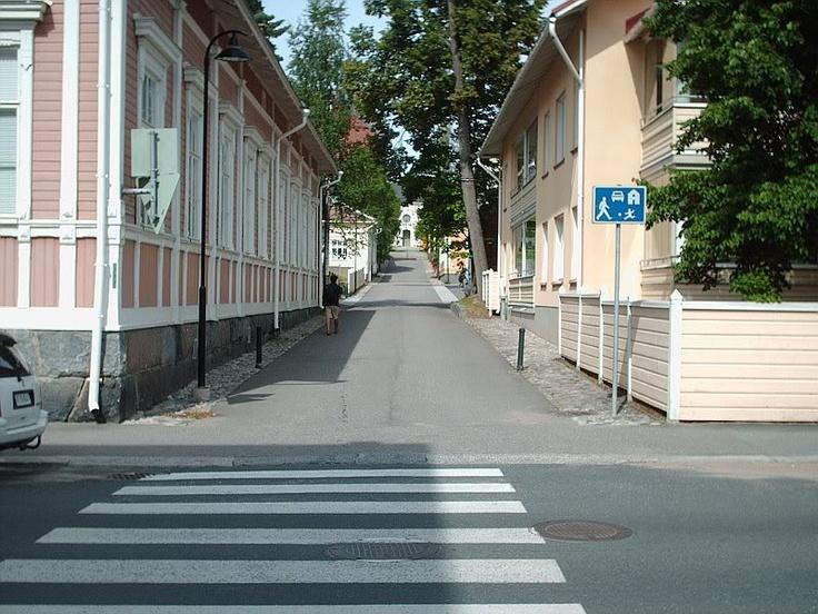 Sorvarinkatu leading to Cathedral side door.