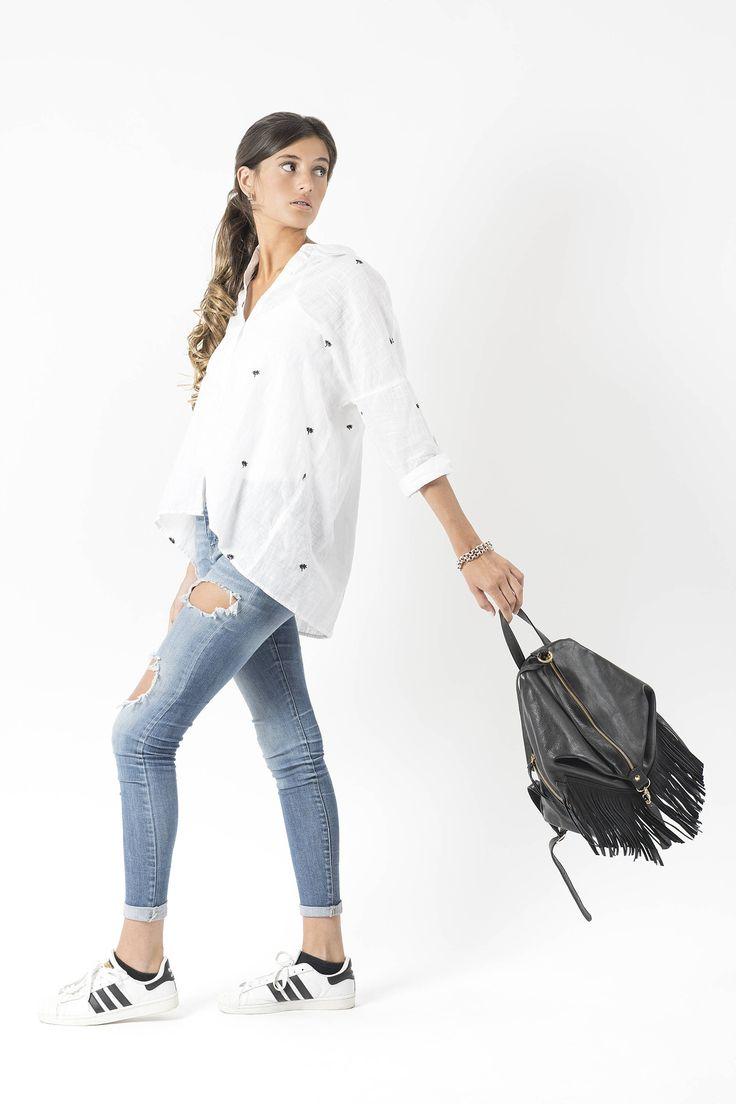 Mochila de cuero negro, morral de cuero franja, pequeña mochila, bolso de flecos, mochila de cuero, mujeres mochila bolso, mochila de cuero de mussleathersUY en Etsy https://www.etsy.com/es/listing/526195717/mochila-de-cuero-negro-morral-de-cuero