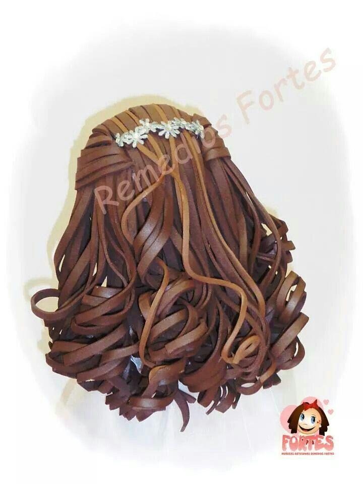 Peinado recogido con ondas para fofucha en goma eva.