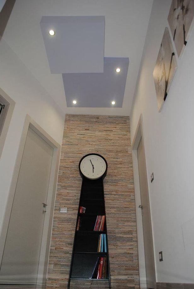 particolare parete con rivestimento