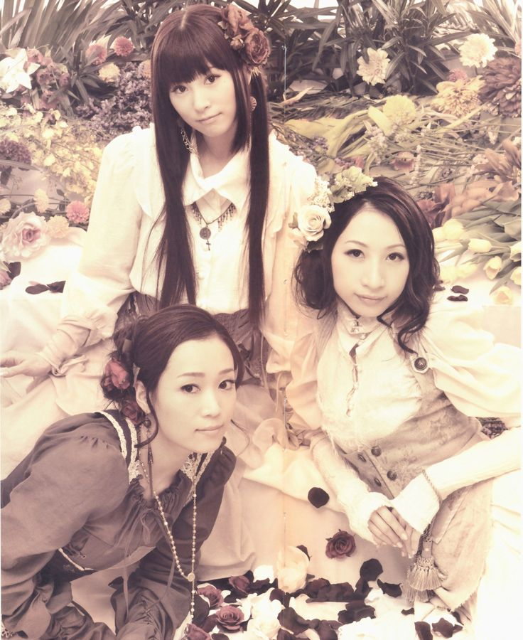 Kalafina: Simply beautiful and nothing like the J-pop that you see everywhere! 5/5 stars!